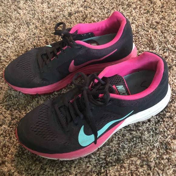 buy popular 0b307 dc321 NIKE Structure 17